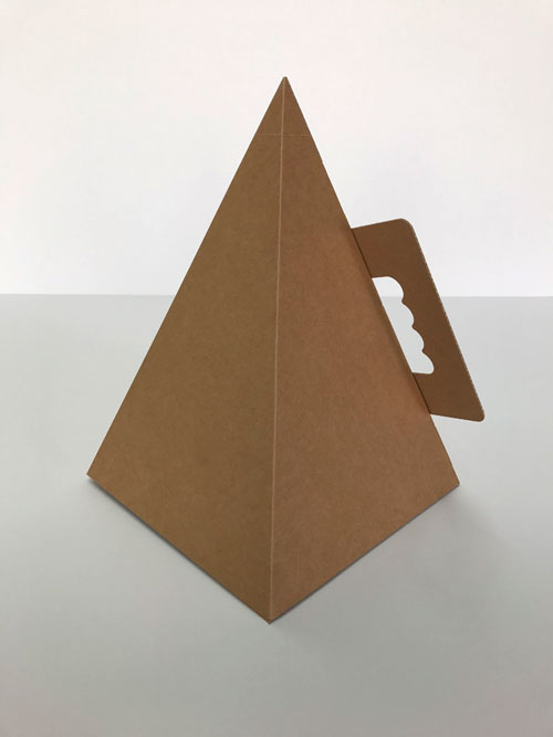 Packaging personalitzats en forma de piràmide - 1